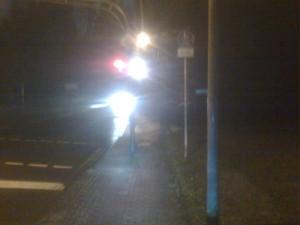 Abendliches Radweg-Ende Düsseldorfer Straße Tunnel Hahnenfurt