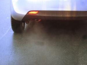 Kleinwagen (Benziner) mit kaltem Motor