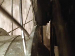 Bremssattel und Flansch von Vorne