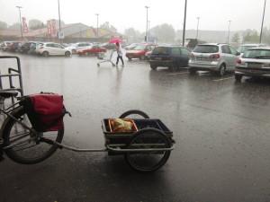 ALDI Mettmann mit überdachtem Fahrradständer