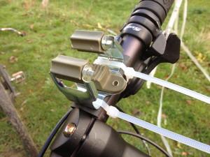 besenstielhalter_fahrradlenker_taschenlampen_halterung