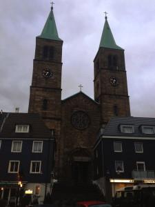 christuskirche_schwelm_einruestung_portal_viertel_vor_sieben