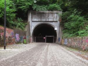 dorper_tunnel_einfahrt_ottenbruch_tunnel_im_tunnel
