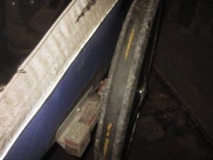 Lauffläche mit bis zur Durchstichschutzschicht abgeriebenen Profil
