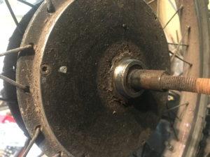 Gewinde eines PUMA-Motors