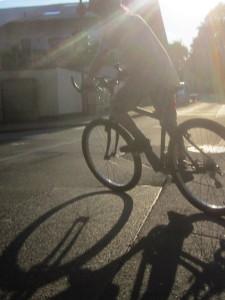 fahrrad_mit_schattenwurf