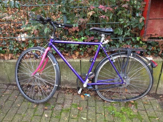 Fahrrad am Arrenberg (Riemenstraße Wuppertal)
