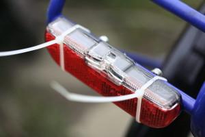 fahrrad_ruecklicht_kabelbinder