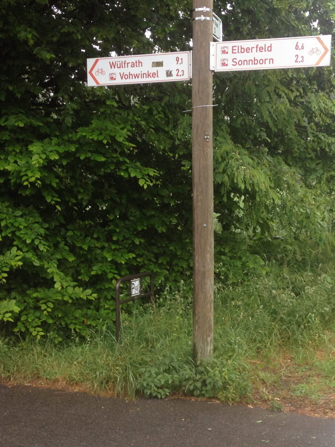 fahrradstaender_bahnhof-wuppertal-vohwinkel-nordseite