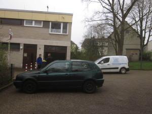 feuerwehrzufahrt_mit_parkenden_autos