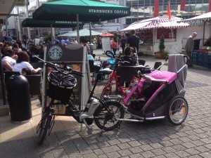 flyer_easy_croozer_rosa_starbucks_wuppertal_fussgaengerzone