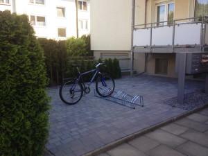 gepflasterter_vorgarten_wuppertal_fahrradstaender