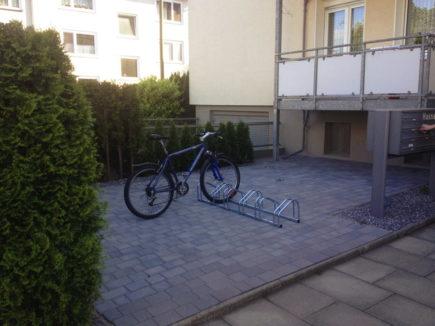 private infrastruktur mit dem fahrrad zur arbeit. Black Bedroom Furniture Sets. Home Design Ideas