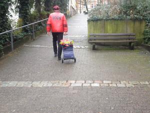 mann_mit_hackenporsche_riemenstrasse_arrenberg_wuppertal