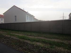 sichtschutz_am_eskesberg_betonmauer