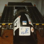 solarmobil-mit-panelen_von_vorne