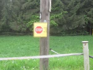 stop_zutritt_untersagt_halbiert