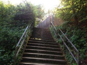Treppe ohne Schiebehilfen
