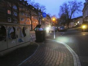 Radweg-Ende an der Mülltonne
