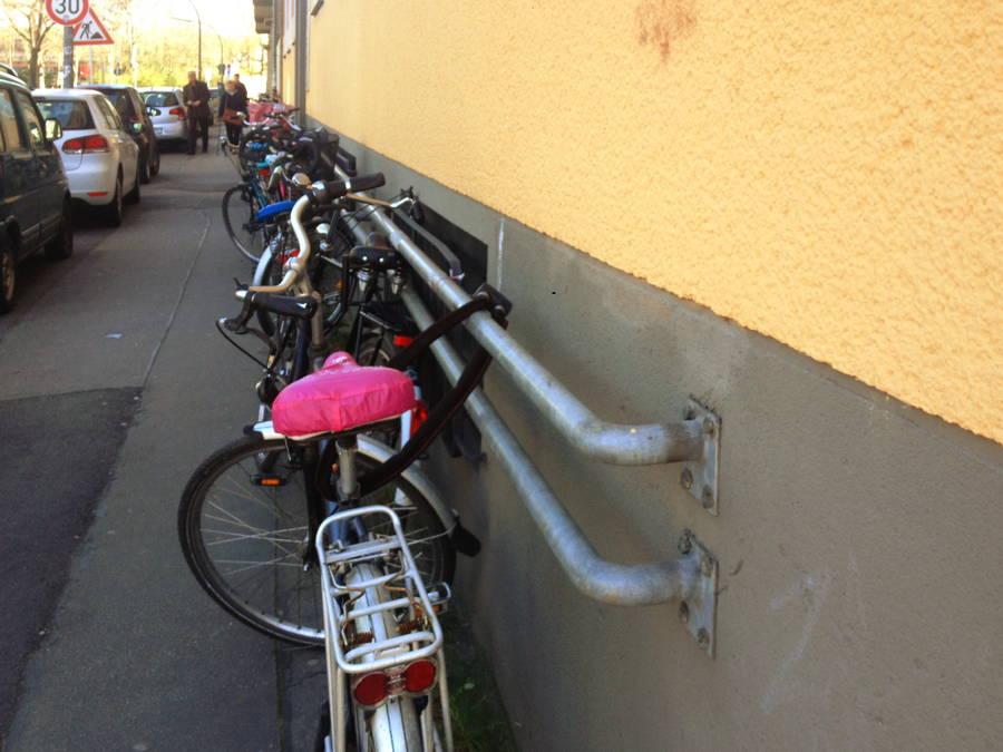 Wandparallele fahrradst nder mit dem fahrrad zur arbeit - Fahrrad aufhangen wand ...