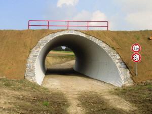 wellstahl_roehre_mit_natursteinverkleidung_drinhausen_1_regiobahn_wuppertal