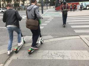 Elektroroller auf Fahrradwegen