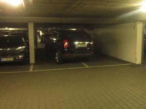 zu_breit_fuer_das_parken_im_parkhaus