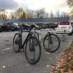 Vollbelegter Fahrradständer am Campus Freudenberg
